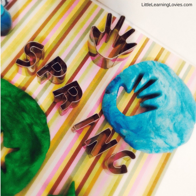 Homemade Springtime Playdough (2)
